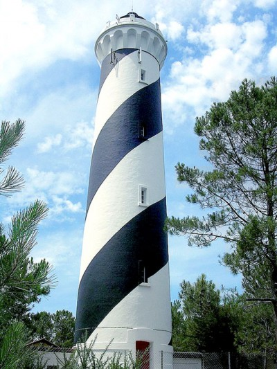 top-10-phare-de-contis