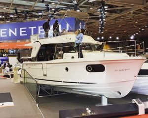 swift Trawler 30 - Beneteau au salon nautique de Paris Nautic 2015