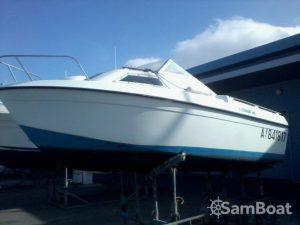 Excursion en mer à bord d'un bateau à moteur - 100 euros avec Samboat