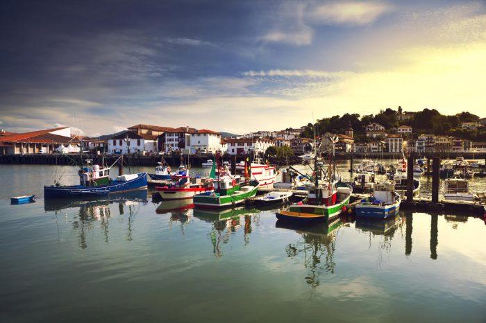 Croisière au pays basque : Port de Saint-Jean de Luz en HD