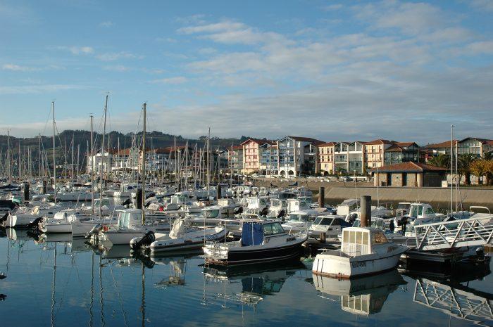 Croisière au Pays Basque : port de plaisance Hendaye