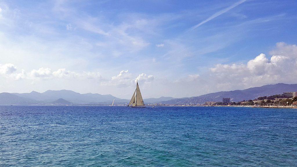 Cannes bateau mer Méditerranée
