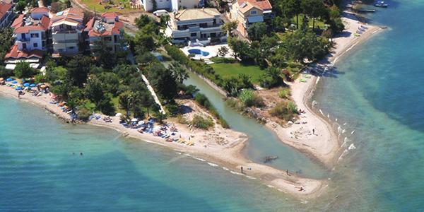 Photo d'une plage de Nidri.