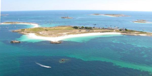 L'archipel des Glénan en Bretagne et ses eaux cristallines