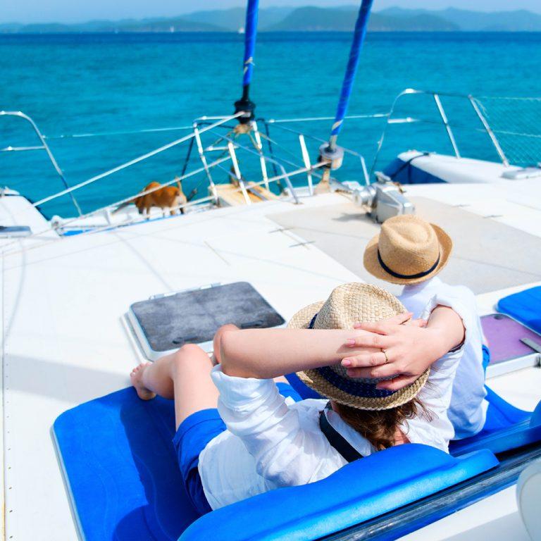 Personnes sur un bateau