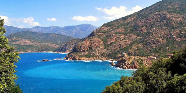 L'eau turquoise du Gofle de Porto en Corse