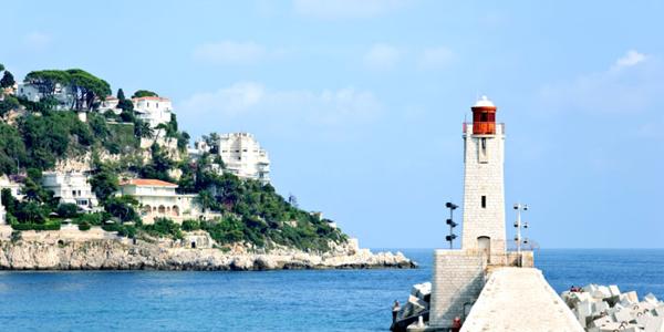 Le phare de Nice, un des plus beaux phares de France