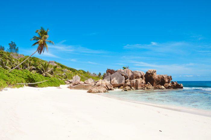 Plage sur l'île de La Digue, Seychelles