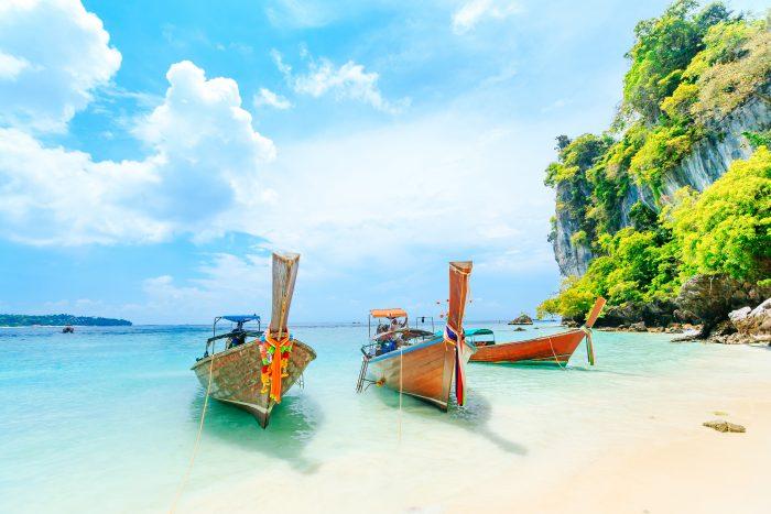 Bateaux thaïlandais amarrés à Phuket