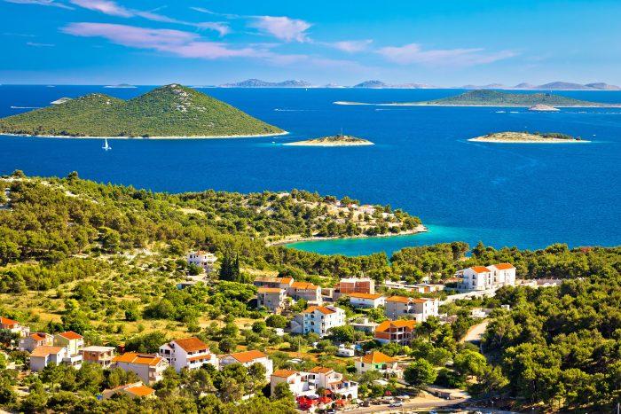 Vue du parc national des îles Kornati du village de Drage, Dalmatie, Croatie