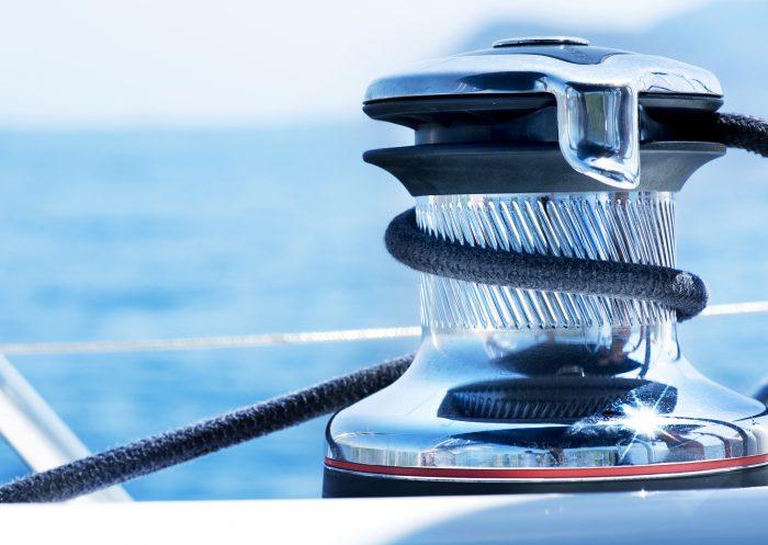 Vérifier l'accastillage, une étape essentiel pour préparer son bateau pour la saison