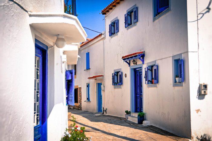 Rue atypique de Skiathos, Grèce