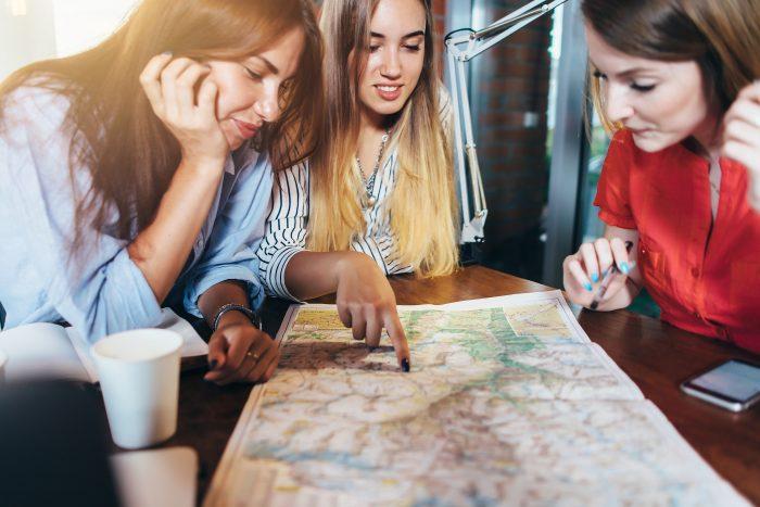 préparer un plan de navigation avec votre skipper